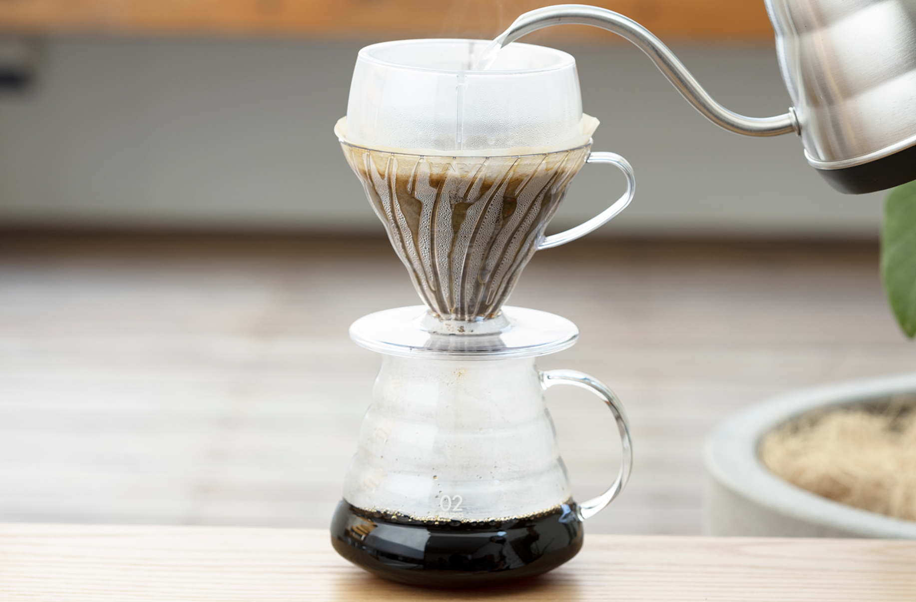V60 Drip-Assist Set in action